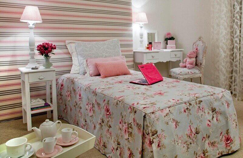 Decoração de quarto feminino romântica
