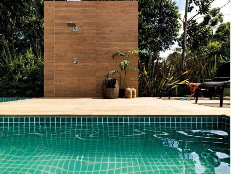 Duchas para piscinas e jardim exterior